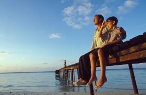 padre e figlio sul molo